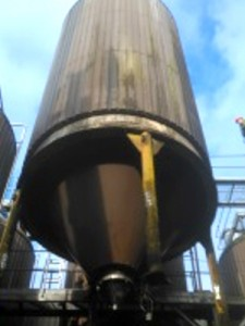 90,000 ltr fermentation vessel lift at the Thwaites site